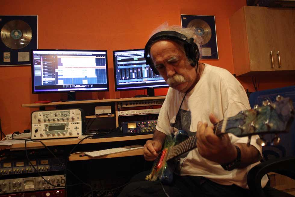 Manny Charlton Madmento Studio